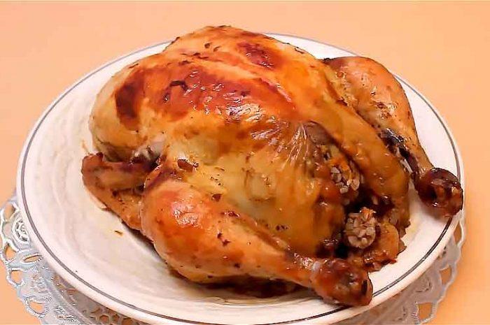 Курица целиком, фаршированная гречкой в духовке