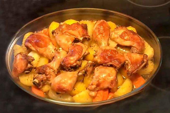 Куриные окорочка, в соевом соусе с картошкой в духовке