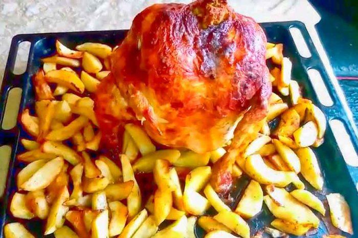 Курица на банке целиком, блюдо в духовке с картошкой