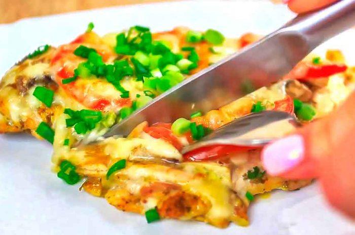 Куриная грудка в духовке с грибами, сыром и помидорами
