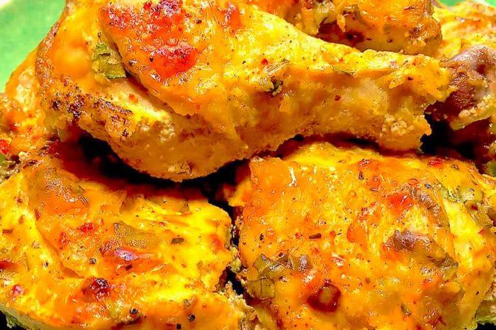 Куриные голени запеченные в сметане с чесноком
