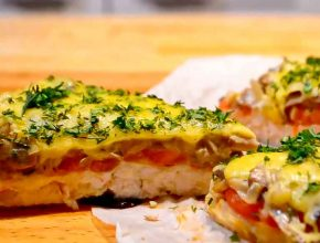 Курица с грибами, помидорами и овощами