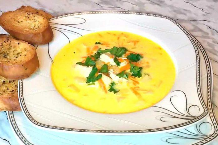 Сырный суп с курицей, наваристое блюдо с сыром