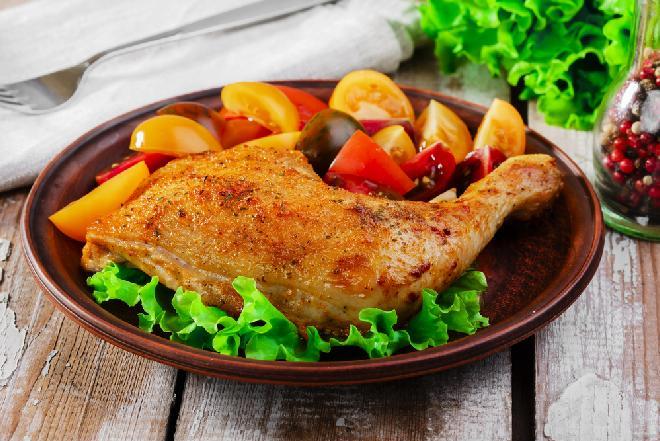Курица в духовке с чесноком