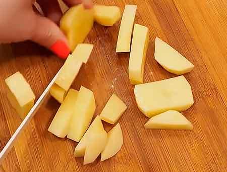 Стругаем картошку соломкой