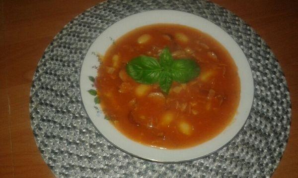 Супец с курицей и томатами