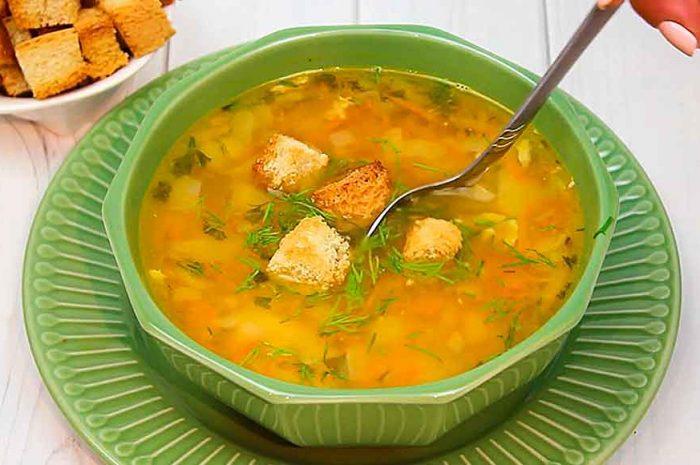 Гороховый суп с курицей, простое классическое блюдо