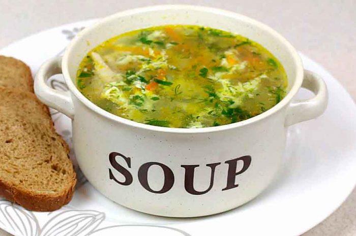 Куриный суп с яйцом и картошкой