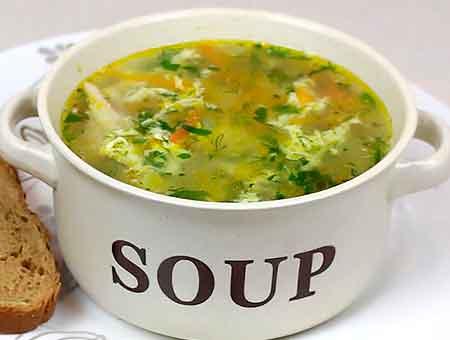 суп с курицей и яйцом готов
