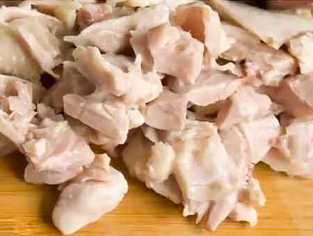 режем курицу на кусочки