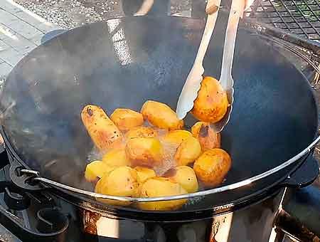 запекаем картофель до золотистой корочки
