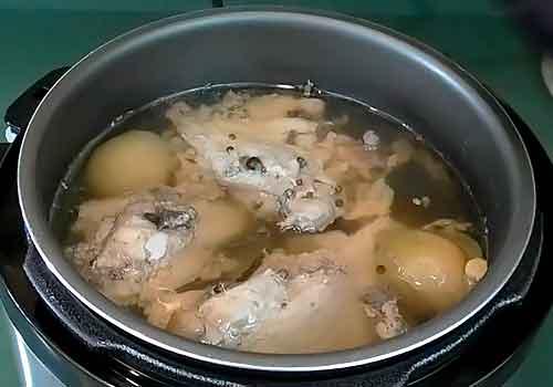 вареное мясо для холодца в мультиварке