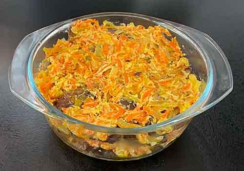 последний слой лука с морковью