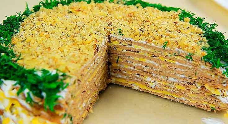 куриный торт с сырной начинкой и печенью