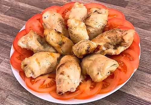 тарелка с закуской из курицы