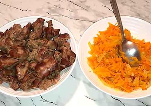 тарелки с продуктами